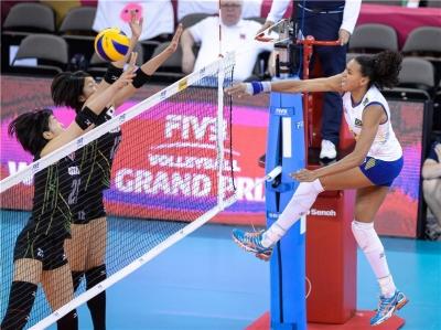 Brasil supera o Japão e segue na briga pelo 11º título